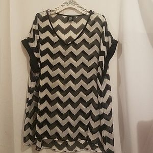 BOBEAU BLACK AND WHITE CHEVRON SHEER BLOUSE